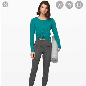 Lululemon Emerald Long Sleeve Laguna color size 10